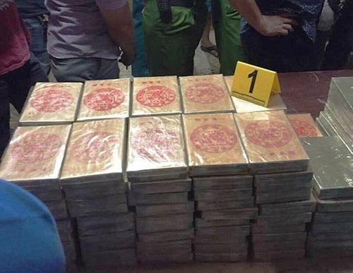 """Vụ bắt giữ xe tải chứa gần 900 bánh heroin: """"Ông trùm"""" hối lộ cảnh sát bao nhiêu tiền? - Ảnh 3"""