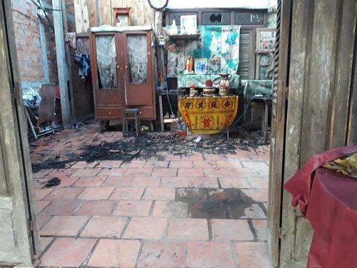 Vĩnh Long: Điều tra vụ người đàn ông phóng hỏa tự thiêu trong nhà - Ảnh 2