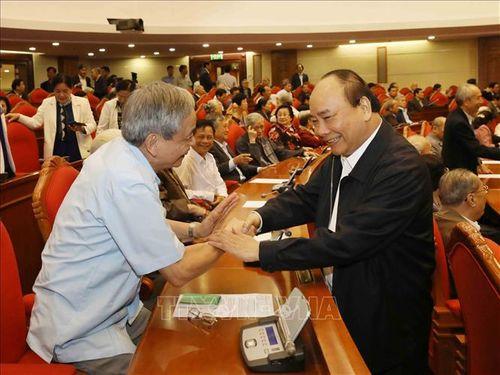 Tổng Bí thư, Chủ tịch nước Nguyễn Phú Trọng chủ trì Hội nghị gặp mặt cán bộ lãnh đạo cấp cao nghỉ hưu - Ảnh 5