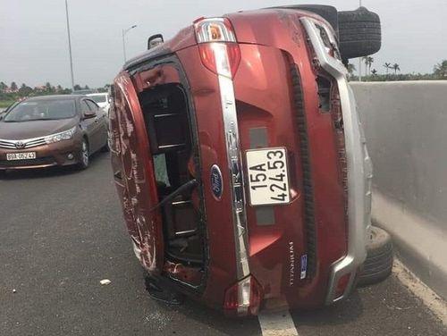Tin tai nạn giao thông mới nhất ngày 31/3/2019: Va chạm container, người thợ hồ tử vong thương tâm - Ảnh 2