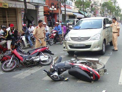 137 vụ tai nạn giao thông, 192 người thương vong trong 5 ngày nghỉ lễ - Ảnh 2