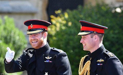 Những khoảnh khắc đẹp như mơ trong đám cưới cổ tích của Hoàng tử Harry - Ảnh 2