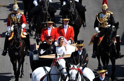 Những khoảnh khắc đẹp như mơ trong đám cưới cổ tích của Hoàng tử Harry - Ảnh 15