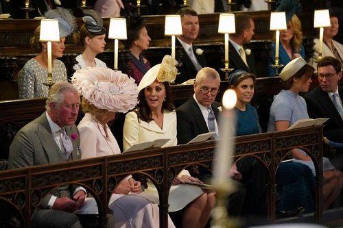 Những khoảnh khắc đẹp như mơ trong đám cưới cổ tích của Hoàng tử Harry - Ảnh 4