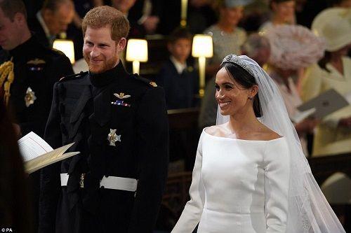 Những khoảnh khắc đẹp như mơ trong đám cưới cổ tích của Hoàng tử Harry - Ảnh 8