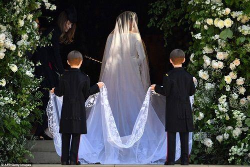 Những khoảnh khắc đẹp như mơ trong đám cưới cổ tích của Hoàng tử Harry - Ảnh 6