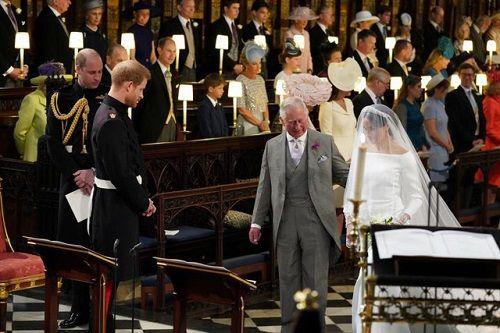 Những khoảnh khắc đẹp như mơ trong đám cưới cổ tích của Hoàng tử Harry - Ảnh 7