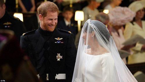 Những khoảnh khắc đẹp như mơ trong đám cưới cổ tích của Hoàng tử Harry - Ảnh 9