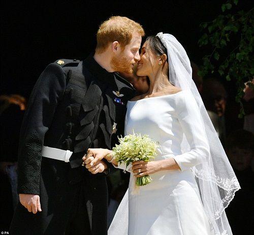 Những khoảnh khắc đẹp như mơ trong đám cưới cổ tích của Hoàng tử Harry - Ảnh 12
