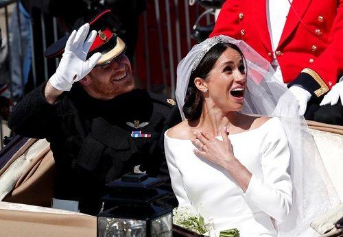 Những khoảnh khắc đẹp như mơ trong đám cưới cổ tích của Hoàng tử Harry - Ảnh 14
