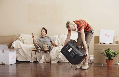 Thiếu nữ do dự cưới vì bạn trai nói đàn ông không phải làm việc nhà - Ảnh 1