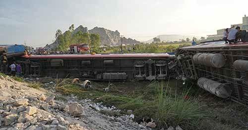 Sau 5 vụ tai nạn đường sắt liên tiếp, một loạt cán bộ liên quan bị đình chỉ công tác - Ảnh 2