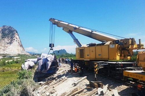 Sau 5 vụ tai nạn đường sắt liên tiếp, một loạt cán bộ liên quan bị đình chỉ công tác - Ảnh 1