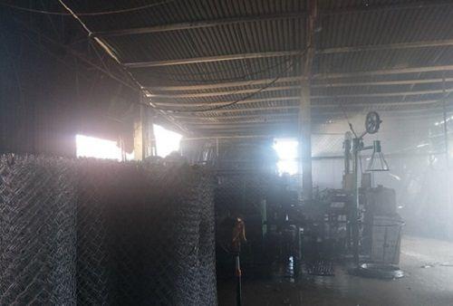 Hỏa hoạn thiêu rụi nhà máy sản xuất kẽm, thép B40 ở Nghệ An - Ảnh 3