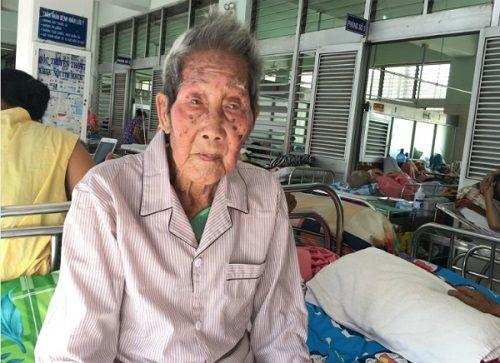 Đặt máy tạo nhịp tim cứu mạng cụ ông 100 tuổi - Ảnh 2