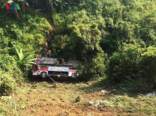 Hiện trường vụ xe khách lao xuống vực ở Cao Bằng khiến 4 người tử vong - Ảnh 5
