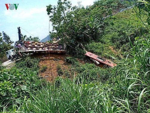 Hiện trường vụ xe khách lao xuống vực ở Cao Bằng khiến 4 người tử vong - Ảnh 8