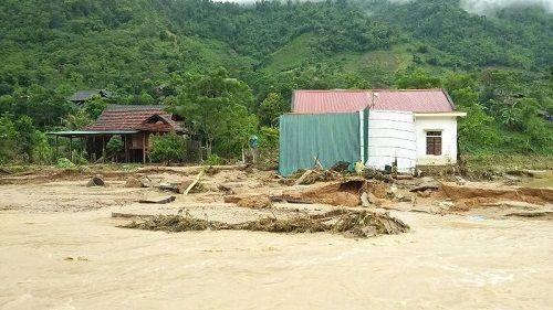 Xót xa khung cảnh nhà cửa tan hoang ở Nghệ An vì mưa lũ - Ảnh 2