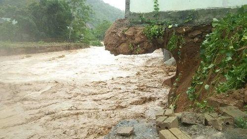 Xót xa khung cảnh nhà cửa tan hoang ở Nghệ An vì mưa lũ - Ảnh 3