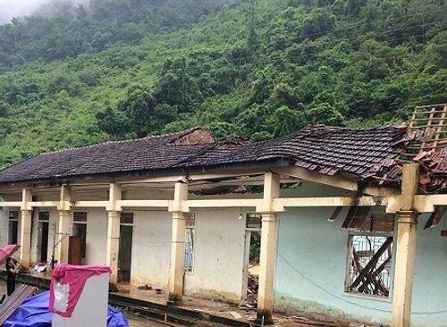 Nghệ An: Thiệt hại hơn 600 tỷ, 300 nhà dân vẫn đang bị cô lập sau bão số 3 - Ảnh 1