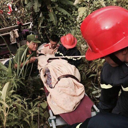 Vụ xe khách lao xuống vực ở Cao Bằng: Cháu bé 11 tuổi sống lại kỳ diệu - Ảnh 1