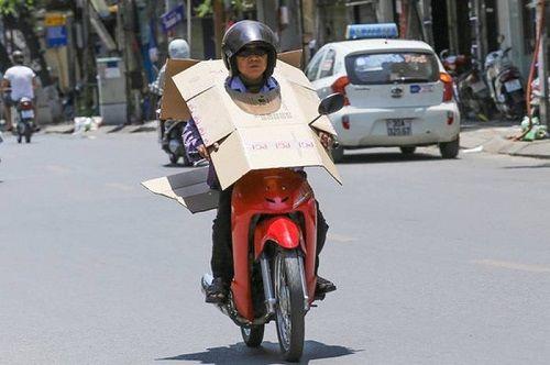 Chùm ảnh: Những cách chống nóng cười ra nước mắt của người Việt - Ảnh 2