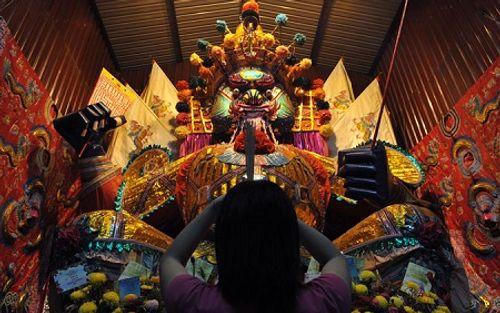 Phong tục cúng cô hồn ở Việt Nam và các nước Á Đông diễn ra thế nào? - Ảnh 11