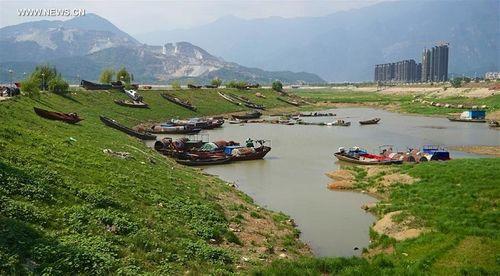 Những bí ẩn về hồ nước lớn nhất Trung Quốc còn tồn tại đến ngày nay - Ảnh 3