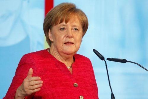 Tuyển Đức thua Mexico, người hâm mộ chỉ trích Thủ tướng Merkel - Ảnh 1