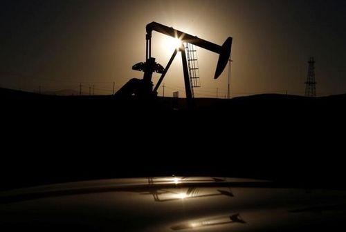 Giá dầu Mỹ giảm mạnh sau khi Trung Quốc đe dọa áp thuế cao trả đũa Tổng thống Trump - Ảnh 1