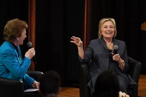 """Cựu ngoại trưởng Hilary Clinton: """"Ông Putin muốn làm suy yếu nước Mỹ và Liên minh EU"""" - Ảnh 1"""