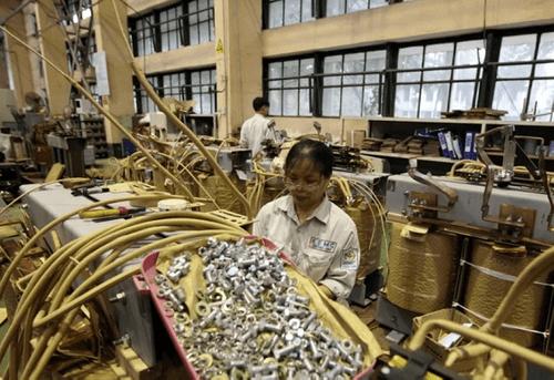 Việt Nam có thể hưởng lợi lớn từ chiến tranh thương mại Mỹ - Trung - Ảnh 1