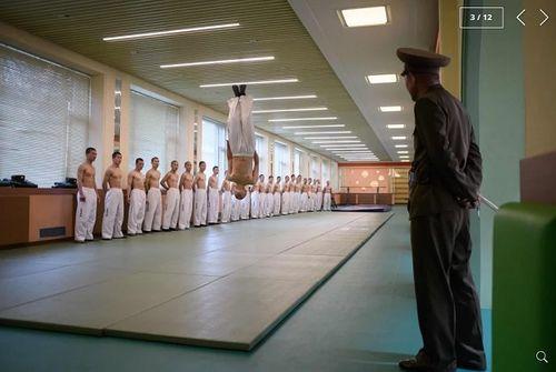 Chùm ảnh trường nam sinh tinh hoa của Triều Tiên khiến cả thế giới ngạc nhiên - Ảnh 3