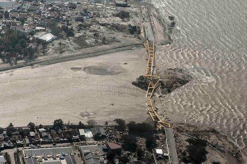 Sức mạnh sóng thần sau động đất ở Indonesia vượt quá sức tưởng tượng của các chuyên gia - Ảnh 1