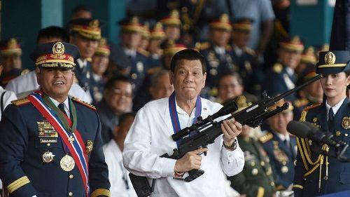 Tổng thống Philippines treo thưởng cho cảnh sát dám tiêu diệt cấp trên buôn ma túy - Ảnh 1