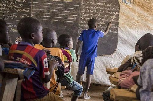 Bùng nổ chiến binh trẻ em ở châu Phi - Ảnh 2