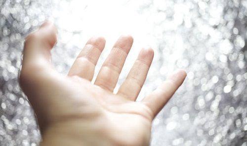 Trải nghiệm cận tử: Người đàn ông chết lâm sàng trong 7 phút nhớ lại hình ảnh thiên đường  - Ảnh 1