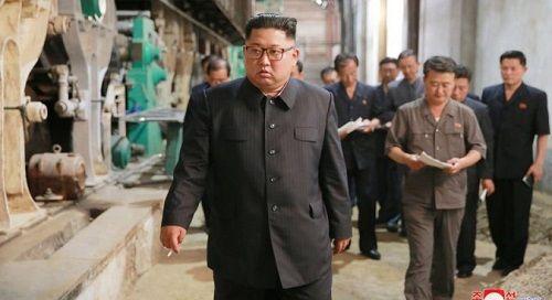 Lãnh đạo Triều Tiên Kim Jong-un khiển trách công nhân, quan chức chính phủ khi đi thị sát - Ảnh 1