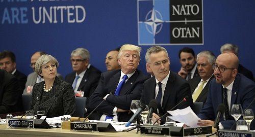 """Ông Trump gửi thi chỉ trích những thành viên NATO """"keo kiệt"""" - Ảnh 1"""