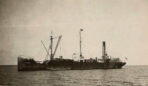 Bí ẩn 'con tàu ma' Baychimo tự lang thang trên biển suốt 38 năm - Ảnh 1