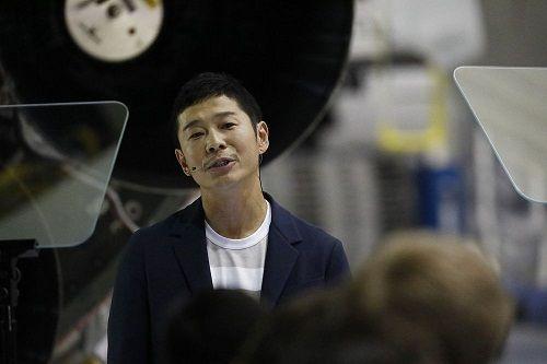 Chân dung tỷ phú người Nhật sắp du hành Mặt Trăng qua công ty của Elon Musk - Ảnh 1