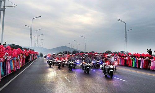 Lãnh đạo Hàn, Triều cùng nhau du ngoạn núi thiêng Paekdu - Ảnh 1