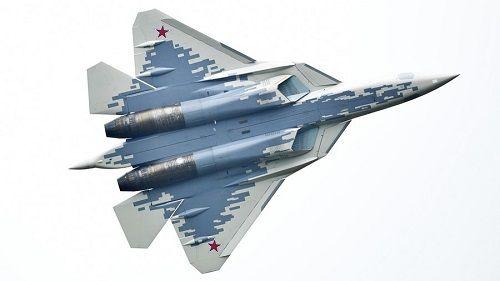 Tiết lộ về chiến đấu cơ Su-57 của Nga: Mang tên lửa siêu thanh, bắn hạ kẻ địch cách xa 300km - Ảnh 1