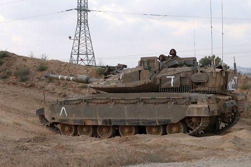 Israel điều tra sự cố nghiêm trọng: Tổ lái ngủ gật để xe tăng tự chạy hàng trăm mét - Ảnh 1