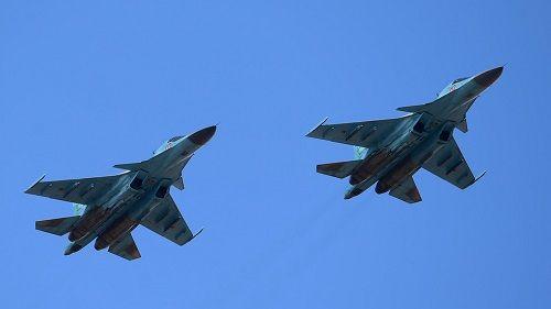 Vì sao 2 máy bay ném bom Su-34 của Nga đâm nhau giữa không trung? - Ảnh 1