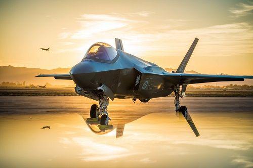 Các tập đoàn Mỹ thống trị thị trường buôn bán vũ khí toàn cầu - Ảnh 1