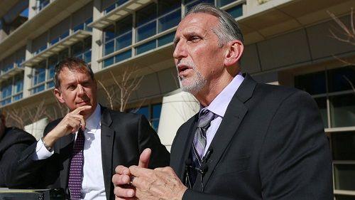 Ngồi tù oan 39 năm, người đàn ông Mỹ nhận bồi thường 21 triệu USD - Ảnh 1
