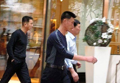 Tiết lộ những hình ảnh hiếm hoi về đội cận vệ của Chủ tịch Kim Jong-un ở Hà Nội - Ảnh 1