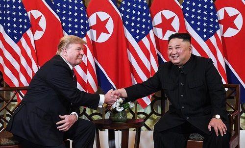 Nhà Trắng: Ông Trump muốn rút lệnh trừng phạt vì quý mến ông Kim - Ảnh 1