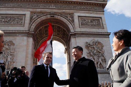 Boeing đối diện khủng hoảng, Trung Quốc chi 35 tỷ USD mua máy bay phản lực của Airbus - Ảnh 1